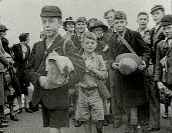 Britain's Policy of Evacuating Children Essay