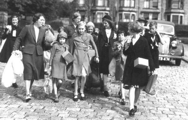 Evacuation during world war 2 essay