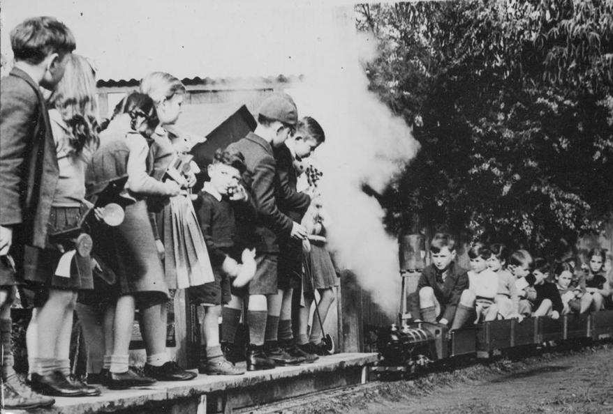 essays on hiroshima bombing