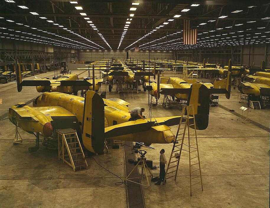 World War II American aircraft construction