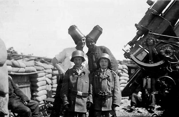 second world war ii german air defenses flak  hitler youth german flak personnel