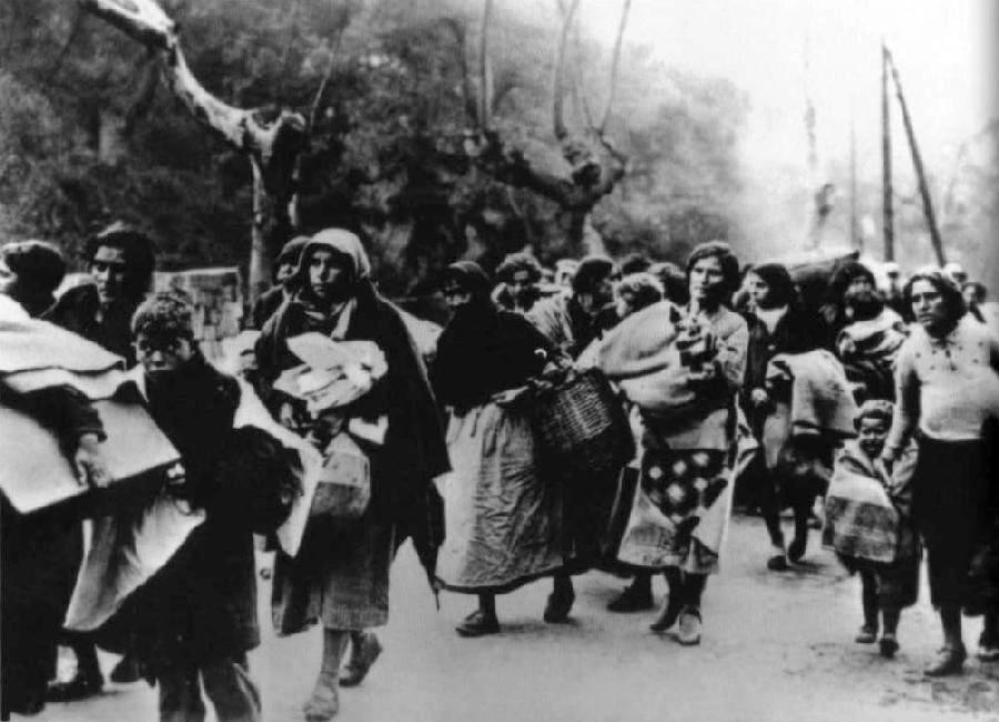 spanish civil war refugeees flood spanish civil war refugees