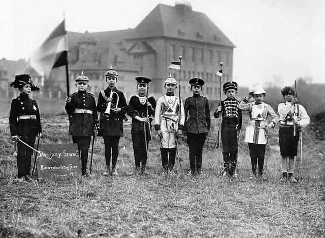 war and social upheaval: World War I political consequences fall ...