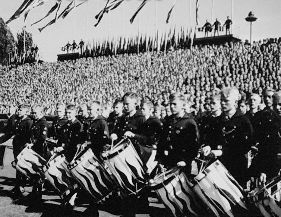the nazi holocaust essay