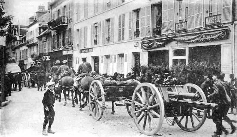 world war one battlefield tactics essay About world war i total war i:  britain was one of the world's great industrial  the material solution to the problems of the first world war battlefield,.