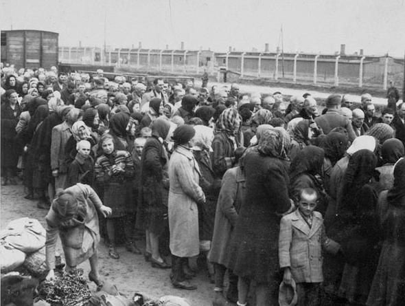 death camps of world war ii Poland's 'death camp' law tears at shared bonds of suffering with jews the most notorious death camp of the by the end of world war ii.