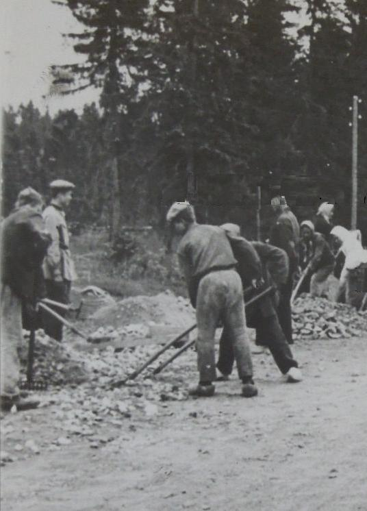 nazi labour camps and capitalism essay Prisoners of concentration camps were (reich labour service daf) which role of women in maoist china and nazi germany history sl essay analyse the role of.