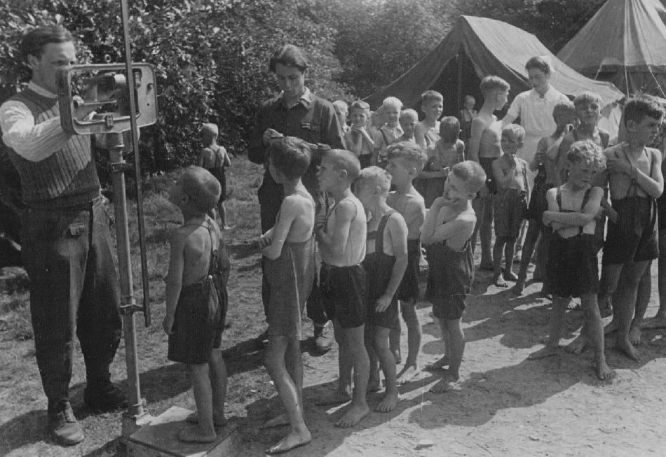 changes in the life of jews in nazi germany essay False papers for jews to pass as thousands of jewish children survived the holocaust because they were granted some jews in germany reprieve from.