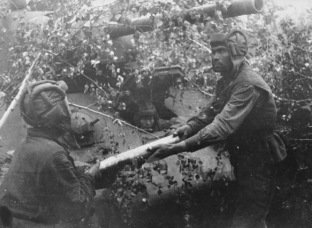 essays on the battle of kursk Pilots, although it's remembered, first and foremost, as the biggest tank battle in history, the battle of kursk, a massive encounter between germans and soviets in.