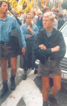 In junge lederhosen männer kurzen Junge Schwule