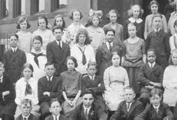 an analysis of the many types of families in the mid 1900s Family structure - us 1900 to pre-wwii : five instances were met with in which as many as seven persons of all ages and according to an analysis of a 1910.
